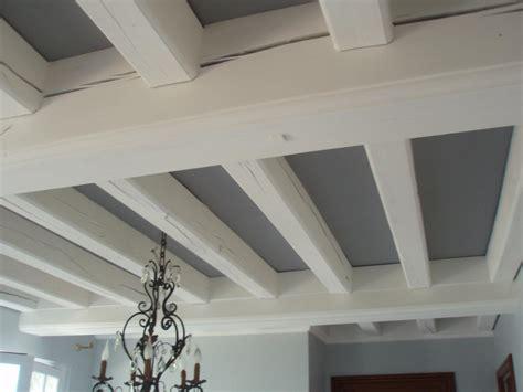 peinture plafond chambre décoration poutres plafond nos conseils
