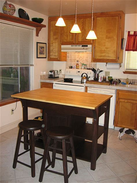 How To Buy Small Kitchen Islands With Seating   Modern