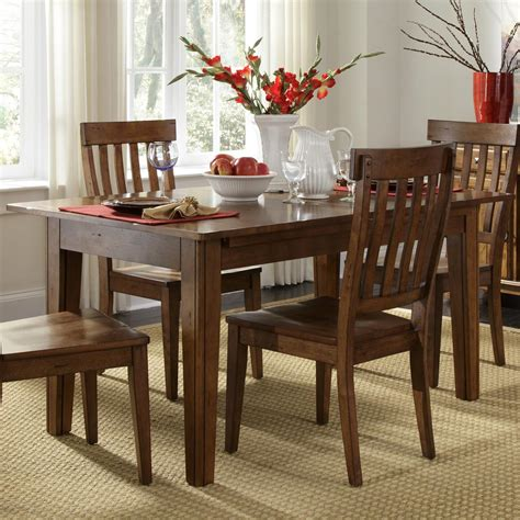solid wood leg table    storing leaves