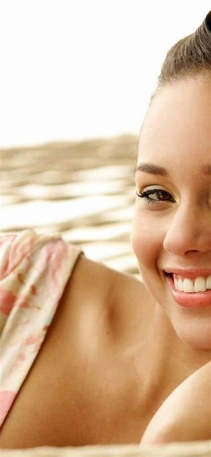 Alicia Keys Iphone Xs Xr Saving Wallpaperpimper