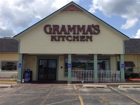 Grammas Kitchen & Checkered Flag, Walcott