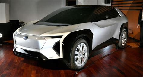 subarus electric crossover developed  toyota