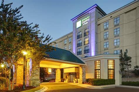 holiday inn express suites atlanta buckhead ga