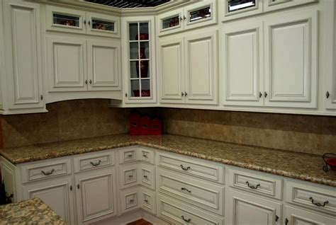 in stock kitchen cabinets lowes in stock kitchen cabinets at lowes home design ideas 7509