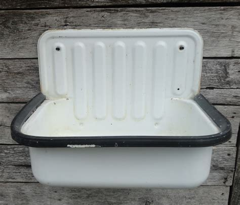 Vintage Enamelware Sink   Recycling the Past