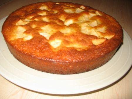 cuisiner pour 10 personnes recette gâteau au yaourt et aux pommes facile 750g