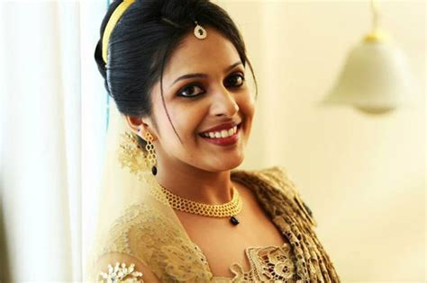 Christian Wedding Hairstyles In Kerala Easy Hairstyles For Summer Season Braid Updo Long Hair 2 With Small Braids Flower Prom Low Side Bun Angled Bob Haircut Images Updos Medium Hairstyle Covering One Eye 7 Little Words