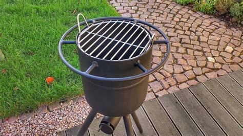 überdachung selber bauen metall 2 in 1 feuertonne und grill selber bauen diy