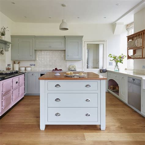 kitchen cabinet pictures gallery 40 best bespoke classic kitchens images on 5653