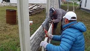 Stavba drátěného plotu ve svahu