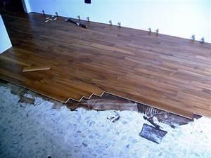 Lavori in casa: posare un pavimento nuovo su un pavimento