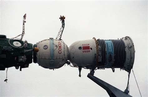 Soyuz Spacecraft Models (page 3) - Pics about space