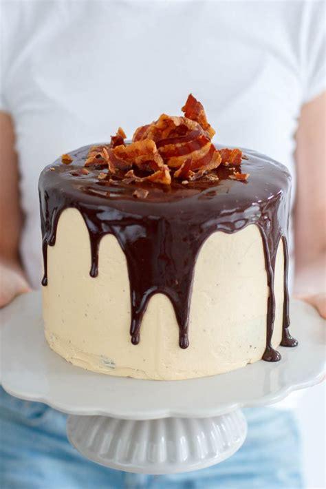Epic Crispy Birthday Cake  Zoetrecepten