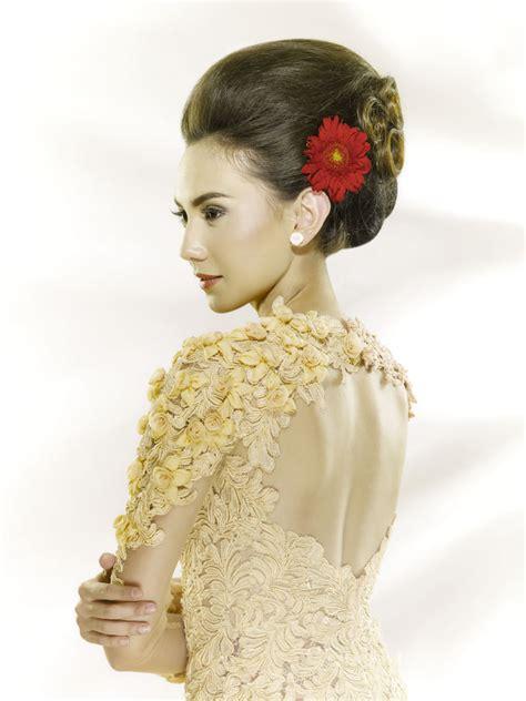 rias pengantin secantik bunga setaman weddingkucom