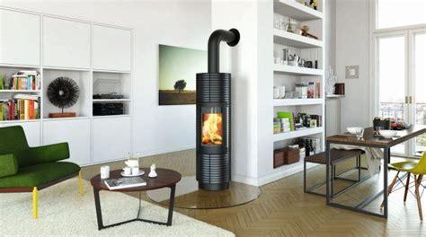 Design Kaminofen Freistehend by Runder Kamin Ofen In Schwarz Freistehend Wohnzimmer