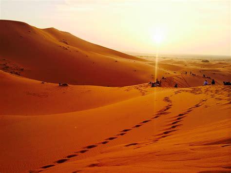 Filesahara Desert Sunsetjpg  Wikimedia Commons