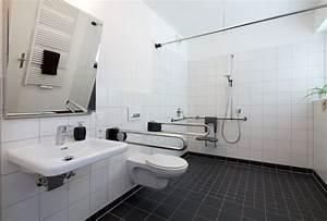 Behindertengerechte Badezimmer Beispiele : behindertengerechte umbauten fliesen wolff ~ Eleganceandgraceweddings.com Haus und Dekorationen
