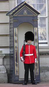 buckingham palace guards - %BLOG_TITLE%