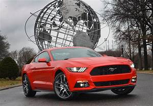 2015 Mustang: Should You Buy the V6 or the EcoBoost? - Motor Review