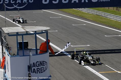 Lando norris, qui vient d'être couronné en f3 europe, et george russell, champion gp3 series en titre, pourraient se retrouver chez art grand prix pour la saison 2018 de formule 2, selon les. FIA F3: Monza: Tweede zege voor Lando Norris - Autosport.be