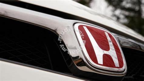 red emblem logo honda civic fc  fr type  car