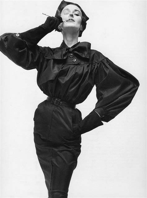 Pin D Iconic Black White 01 dorian leigh wearing balenciaga photography by irving