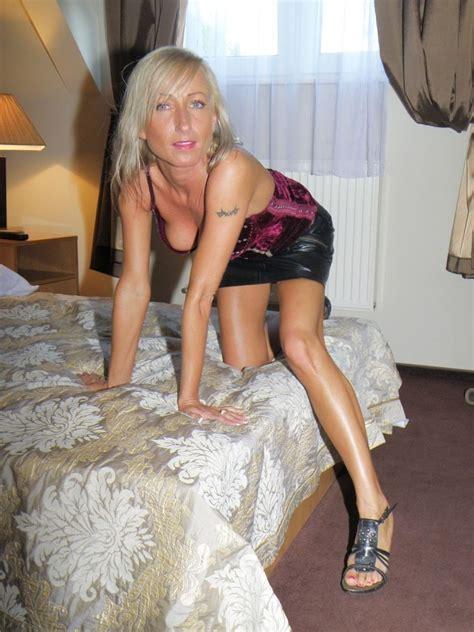 Sexy Polish Milf flashing her sweet nude body - Amateur Porn Tube