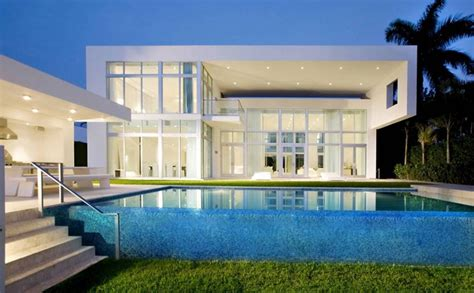 luxurious backyard infinity pool designs