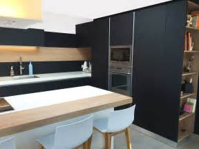 cuisine en noir cuisine noir mat bois wraste com