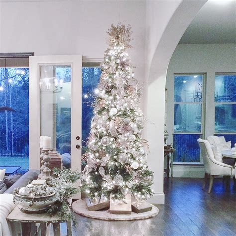 beautiful christmas rooms christmas decorating by decor gold decor gold designs