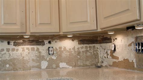 under cabinet lighting how to install under cabinet lighting video withheart