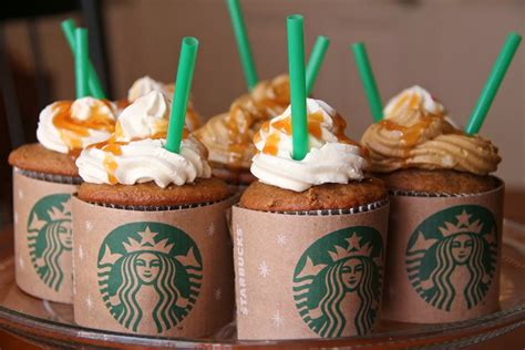 Like i said, simple but totally cute and easy. The Busy Bee: Starbucks Cupcakes. Whaaatt??