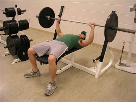 bench press for luahan di attic ssp tale goes on