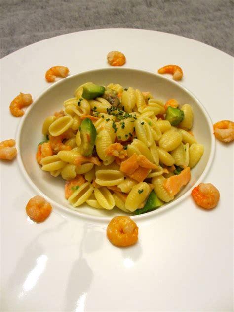 pate au saumon et crevette p 226 tes au saumon crevettes et 224 l avocat diet d 233 lices recettes diet 233 tiques