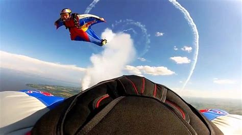 Red Bull Wingsuit Pilots Circled by Stunt Plane – NEXdaily
