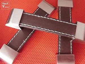 Poignée Meuble Cuir : poign es en cuir pour meubles cuisine ou autre placard ~ Teatrodelosmanantiales.com Idées de Décoration