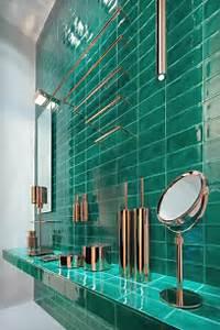 Carrelage Vert D Eau : carrelage vert salle de bain faience murale flou 25x42 5 pour salle de bain dispo a rognac ~ Melissatoandfro.com Idées de Décoration