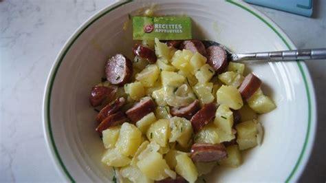 salade de pommes de terre et saucisses fum 233 es