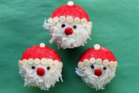easy santa claus cupcakes christmas desserts