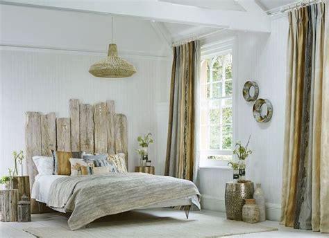 d oration romantique chambre tête de lit bois flotté une décoration romantique qui