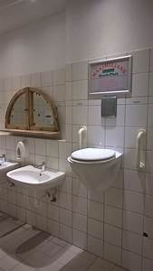 Toilette Auf Spanisch : this bar in germany has a special toilet in case you need to relief yourself in a different way ~ Buech-reservation.com Haus und Dekorationen