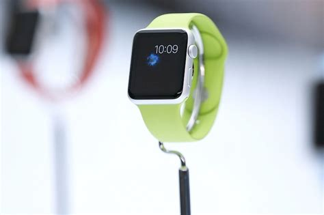 Apple Watch and HealthKit Could Help Spur Mobile Medical