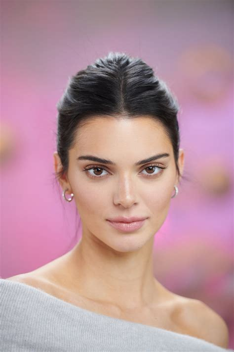 After Criticism About Her Skin, Kendall Jenner Is Talking ...