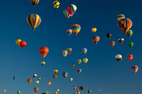 flight   uplifting pictures  hot air balloons