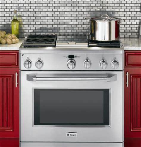 monogram zgpnrss   pro style freestanding gas range   burners stainless steel