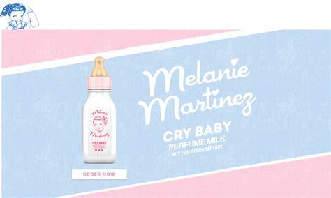 Melanie Martinez Cry Babys Extra Clutter fondo de