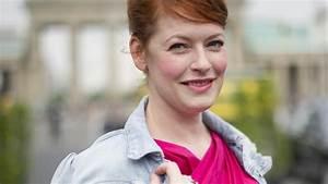 Enie Van De Meiklokjes Kind : schwanger mit 42 jahren enie van de meiklokjes wird zum ersten mal mutter ~ Eleganceandgraceweddings.com Haus und Dekorationen