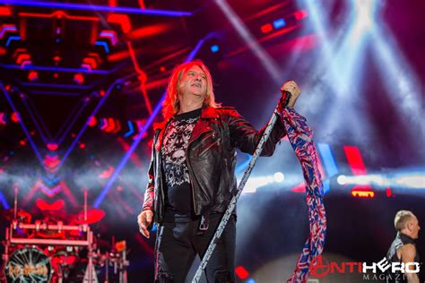 Def Leppard At Fort Rock 2017