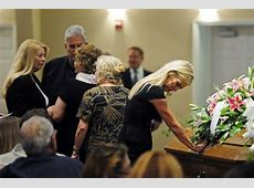 Photos Final farewell to Mindy McCready