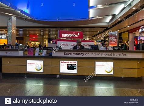 bureau de change heathrow heathrow airport terminal 3 stock photos heathrow